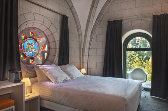 Dormir en una modernísima capilla del siglo XIX