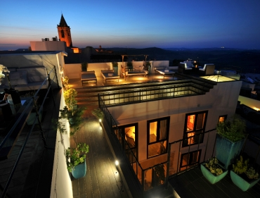 content_user_32_images_GalleriesHotelV_Hotel_Hotel new_Rooftop Terrace at Sunset_1361524646059_large