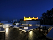 content_user_32_images_GalleriesHotelV_Hotel_Hotel new_Rooftop Terrace Loungers with view of Castle_1361524732915_large